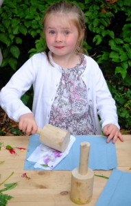 Young Molly is the first child to enjoy the Knoll Gardens Foundation's new educational programme copy v2